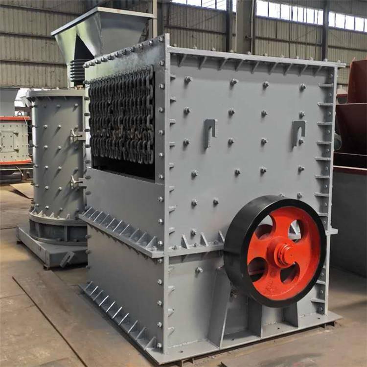 出租移动式石子破碎机 鸿宇 时产200吨箱式磕石机 成本分析