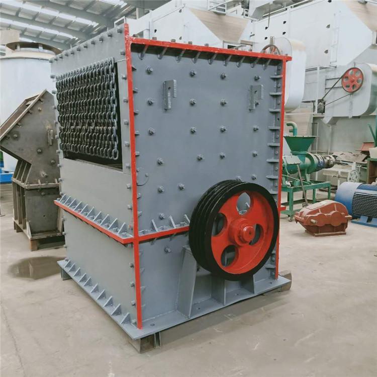 时产200吨石料生产移动式 大型石料方箱破 鸿宇打玄武岩石子设备