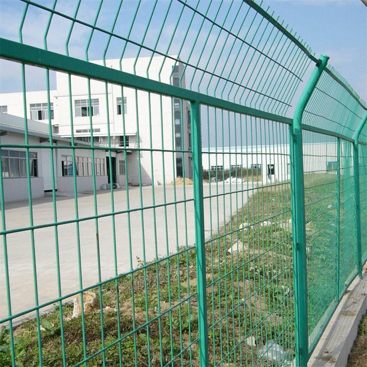 学校铁丝防护网厂家定制 乾舜达学校铁丝防护网批发价格可按客户需求定制