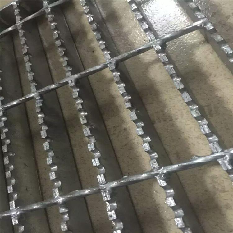 钢格栅踏板 定做工厂 钢格栅盖板 双美喷漆格栅板
